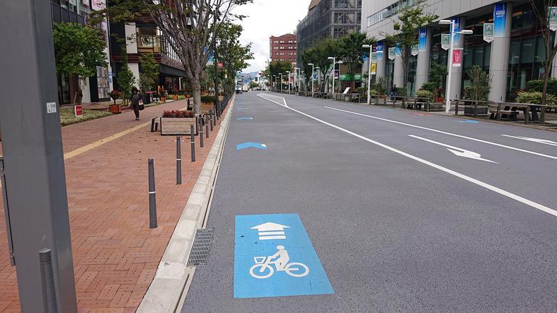 自転車に優しい側溝/豊田市停車場線(愛知県豊田市)